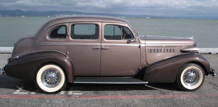 Buick 4-dr 1938