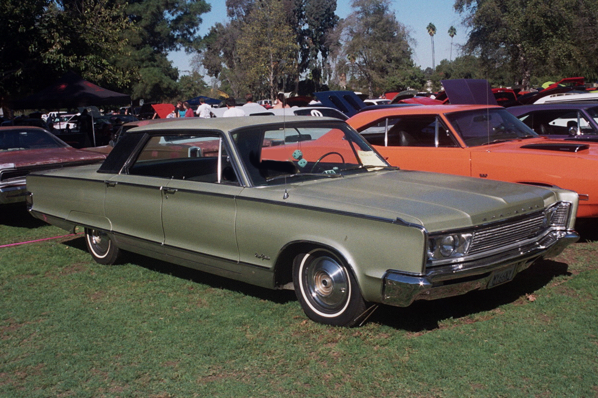 Chrysler New Yorker 4-dr HT 1967
