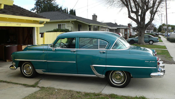Chrysler New Yorker sedan 1954