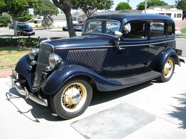 1932 1935 ford photographs and ford technical data for 1934 ford 4 door sedan