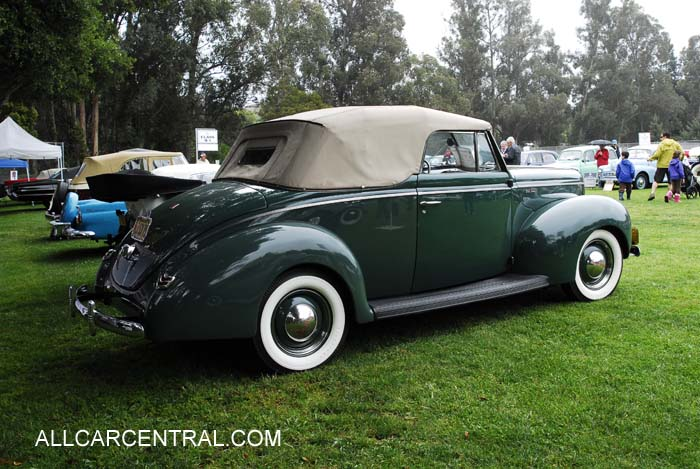 Ford Deluxe Convertible 1940