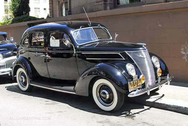 Ford Deluxe Fordor 1937