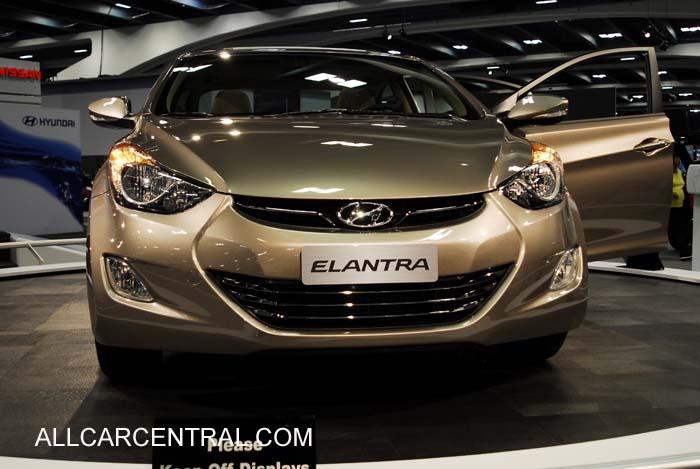 http://www.allcarcentral.com/Hyundai/Hyundai_Elantra_2011_SFS3504_SF_Autoshow_11-10.jpg