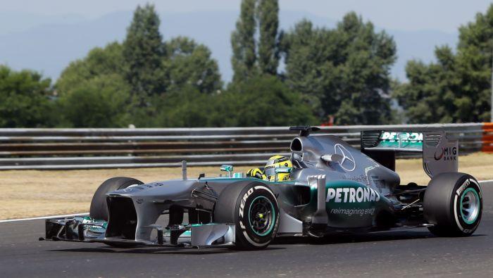 [Imagen: Mercedes_AMG_W04_2013_Nico_Rosberg.jpg]