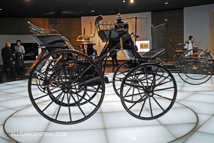 Daimler motorized Carriage 1886