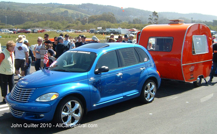 Chrysler PT Cruiser 2005 and trailer Pacific Coast Dream Machines 2010