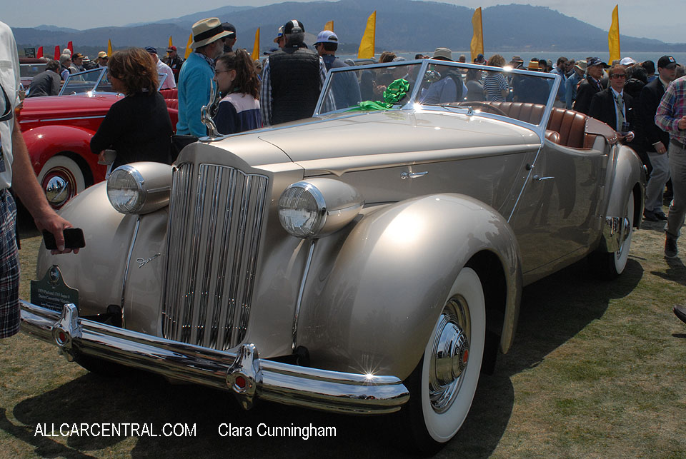 Packard 1703 Super-8 Darrin Convertible Victoria 1939  Clara Cunningham Photo Pebble Beach Concours d'Elegance 2017
