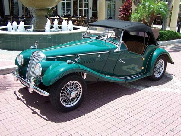 Picture of green classic model MG TF, retro model MG TF, vintage car MG TF